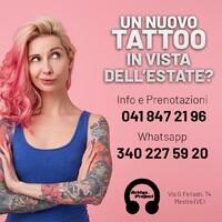Tatuarsi d'estate: si può o è meglio evitare? Contrariamente a quello che si può pensare, è possibile: basta seguire solo un po' di accortezze.